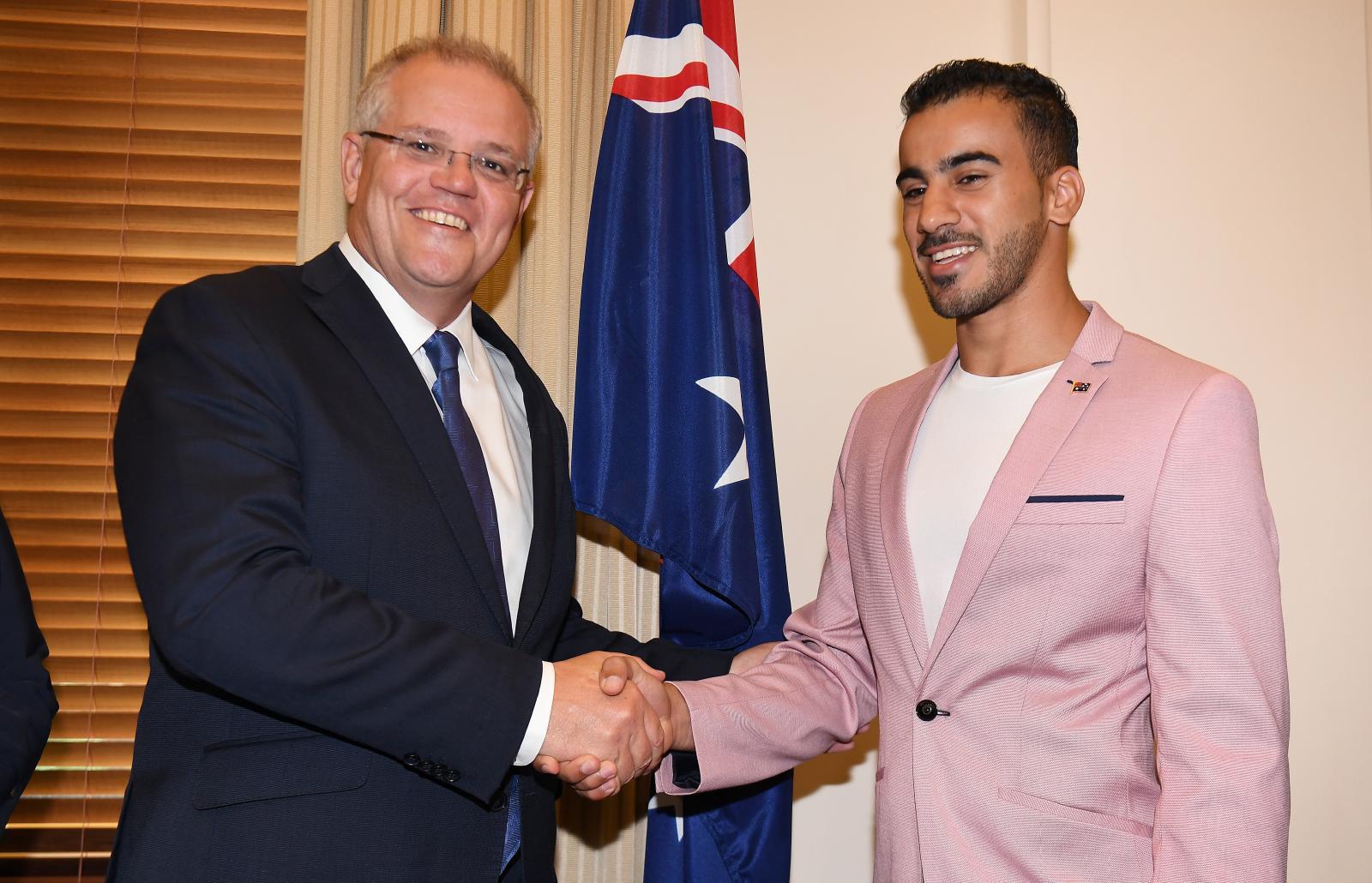"""""""ฮาคีม""""เข้าพิธีสาบานตนเป็นพลเมืองออสเตรเลีย"""