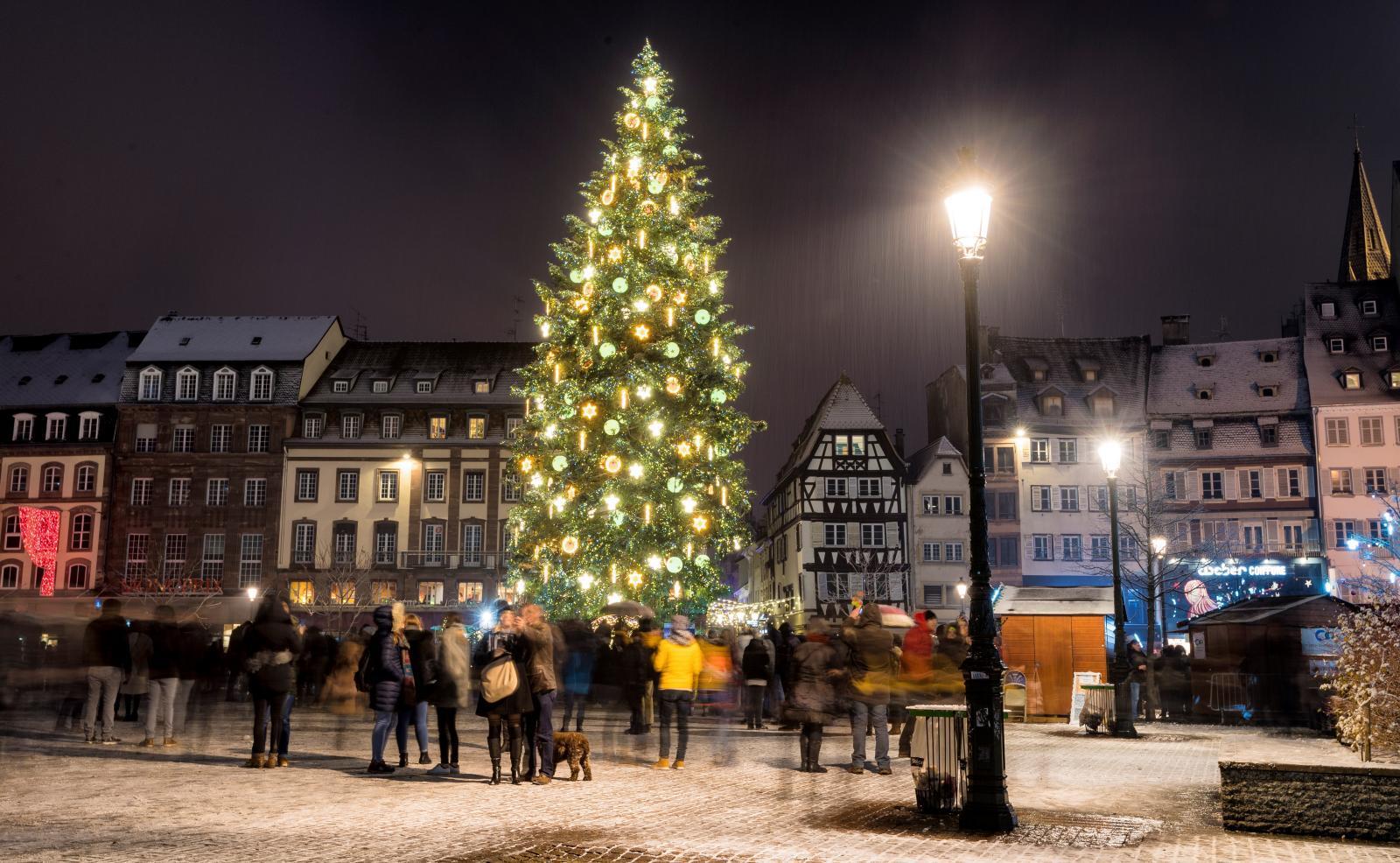 """""""สตราส์บูร์ก"""" ตลาดคริสต์มาสของฝรั่งเศสหลังเหตุกราดยิง"""
