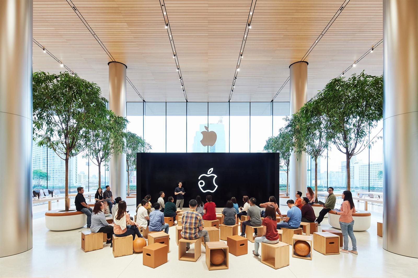 """Apple Iconsiam"" ริมแม่น้ำเจ้าพระยากับยอดขายทั่วโลก 46.9 ล้านเครื่อง"