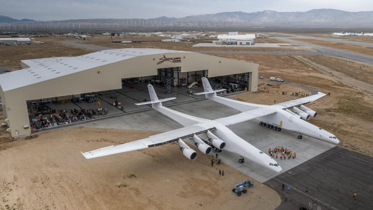 บ.ขนส่งอวกาศสหรัฐฯ เริ่มทดสอบเครื่องบินลำใหญ่สุดในโลกครั้งแรก