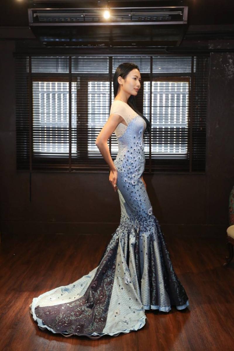"""""""พระองค์เจ้าสิริวัณณวรีนารีตน์"""" ร่วมทรงออกแบบชุดราตรีผ้าไหมไทย Miss Universe 2018"""